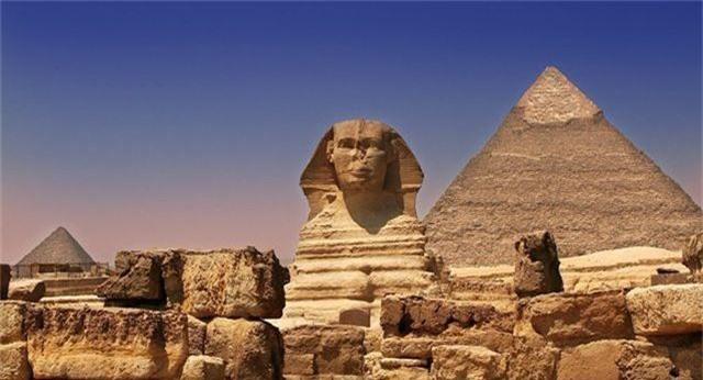 Cuốn sách thánh nắm giữ chìa khóa về bí mật của các kim tự tháp - 1