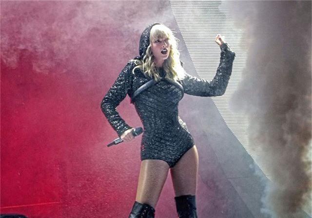 Vượt mặt Kylie Jenner, Taylor Swift trở thành ngôi sao có thu nhập cao nhất năm 2019 - Ảnh 2.