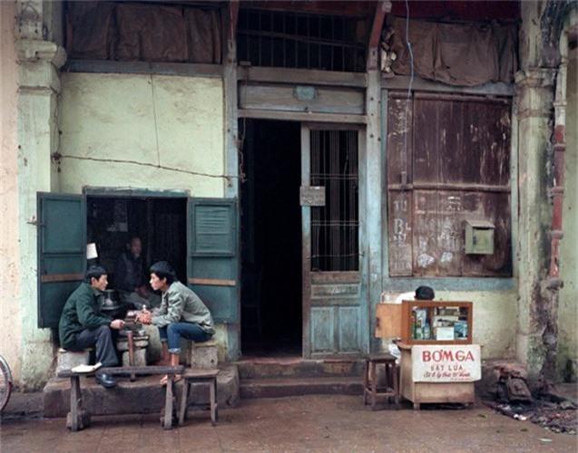Ngam Ha Noi thap nien 1980 - 1990 qua anh doc cua nguoi My-Hinh-10