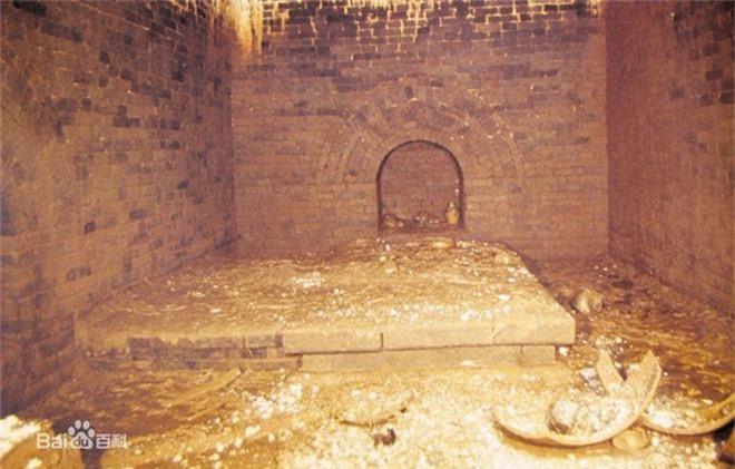 Xâm nhập cổ mộ vương gia thời Minh, nhà khảo cổ ngạc nhiên tột độ vì kho báu bên trong - Ảnh 1.