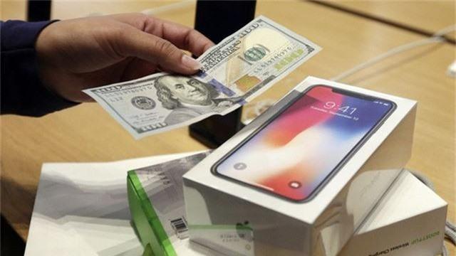 iPhone ế ẩm, Apple phải bồi thường cho Samsung gần 1 tỷ USD - Ảnh 1.