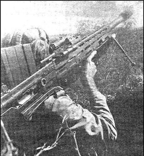 Đầu tiên phải kể đến khẩu súng chống tăng có thiết kế đặc biệt do Quân đội Cuba tự sản xuất có tên Mambi AMR. Đây là loại súng chống tăng có chiều dài lên tới 2,1 mét, được Cuba tự thiết kế và sản xuất hàng loạt từ năm 1980 và dùng cỡ đạn 14,5x114mm. Nguồn ảnh: Militaria.