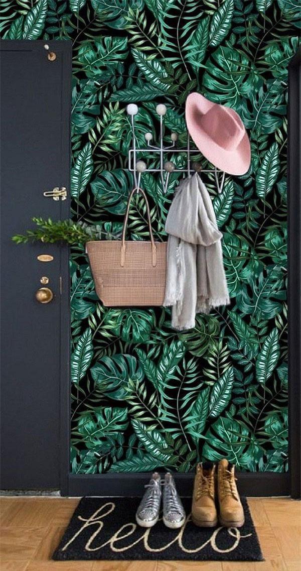 Mẫu hoa văn lá cành đan xen nhau được sử dụng khá phổ biến ở các gia đình vì tính ứng dụng cao và dễ phối hợp với đồ nội thất.