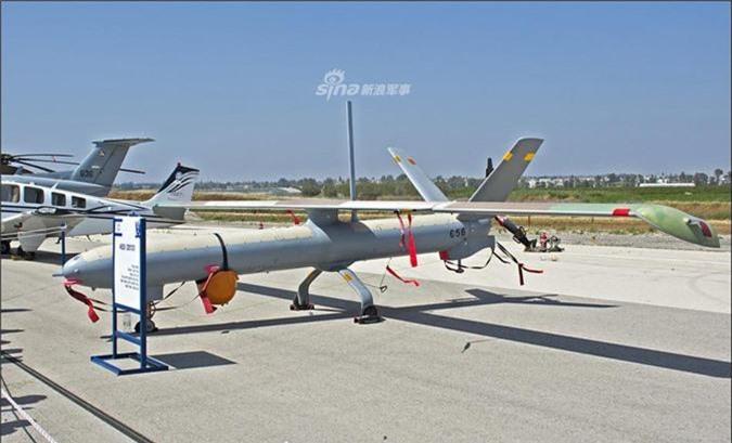 Dang gom may bay khong nguoi lai cuc khung Philippines mua tu Israel-Hinh-3