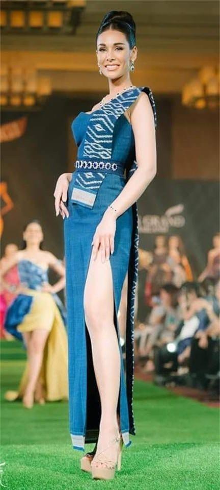 Không chỉ lạc lõng trong chiến thắng, Miss Grand ThaiLan 2019 còn bị chỉ trích bởi gương mặt đơ cứng, thiếu tự nhiên - Ảnh 10.
