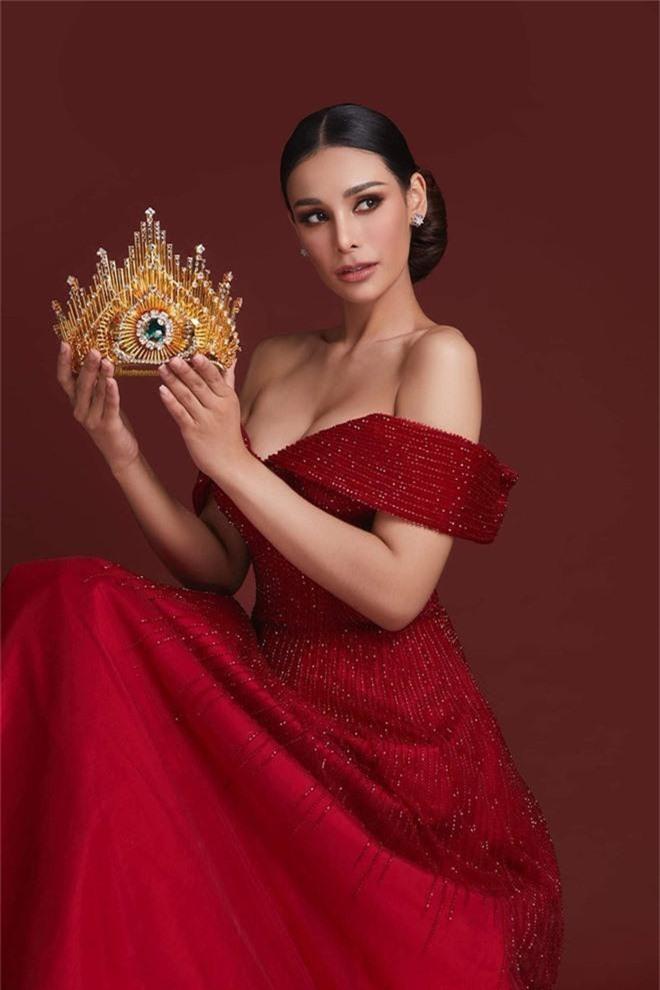 Không chỉ lạc lõng trong chiến thắng, Miss Grand ThaiLan 2019 còn bị chỉ trích bởi gương mặt đơ cứng, thiếu tự nhiên - Ảnh 12.