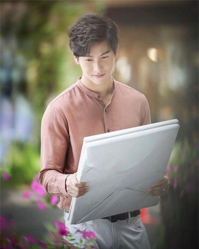 """Mỹ nam hấp dẫn của màn ảnh Thái Lan gây sốt với """"Chiếc lá cuốn bay"""" - Ảnh 14."""