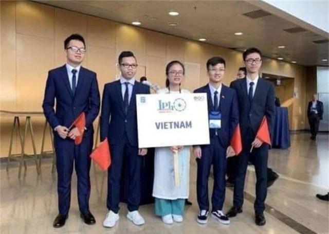 Nữ sinh duy nhất trong đoàn Việt Nam giành huy chương Vàng Olympic Vật lý Quốc tế 2019 - 1