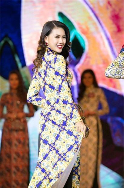 Siêu mẫu Việt Nam 2018: Vóc dáng nóng bỏng, nhiều đại gia theo đuổi - Ảnh 2.