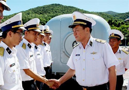 Theo Báo Hải quân Việt Nam, hôm 4/7, Chuẩn Đô đốc Phạm Văn Vững - Bí thư Đảng ủy - Chính ủy Hải quân đến thăm, kiểm tra, nắm tình hình tại Lữ đoàn 172 - Vùng 3 Hải quân, cũng như đi thăm các kíp tàu trong đó cả Tàu 20. Nguồn ảnh: Báo Hải quân.