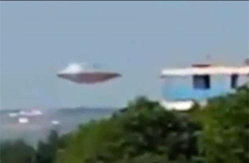 Nhiều người vẫn nghi ngờ tính xác thực của vật thể được chi là UFO này.