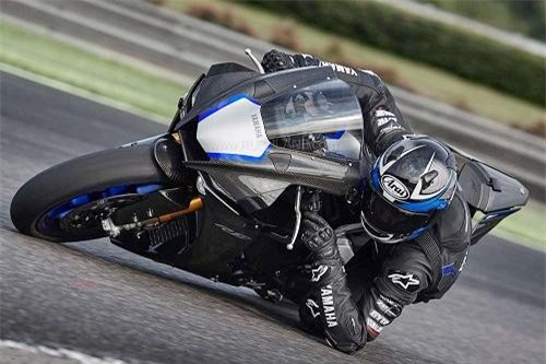bộ đôi Yamaha YZF-R1 và YZF-R1M nhận được  nhiều công nghệ hơn bao giờ hết