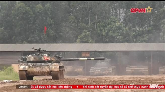 "Viet Nam ""lot xac"" T-54 giup linh tang dua tai o Tank Biathlon-Hinh-3"