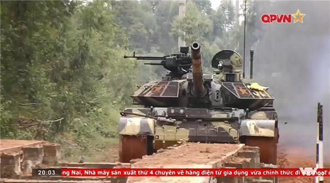 "Viet Nam ""lot xac"" T-54 giup linh tang dua tai o Tank Biathlon-Hinh-6"