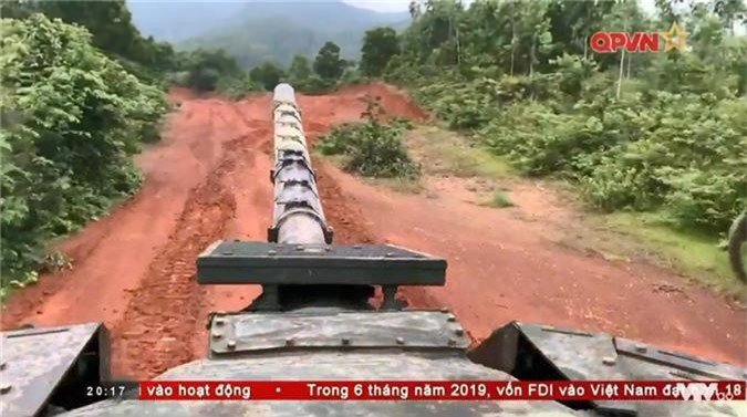 "Viet Nam ""lot xac"" T-54 giup linh tang dua tai o Tank Biathlon-Hinh-7"