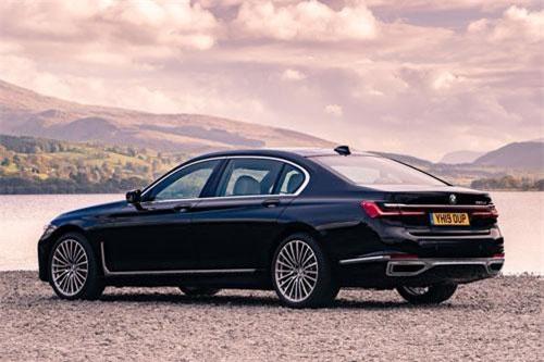 6. BMW 7 Series.