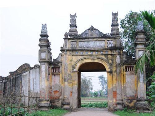 Cổng làng Nôm (Ảnh: ST)