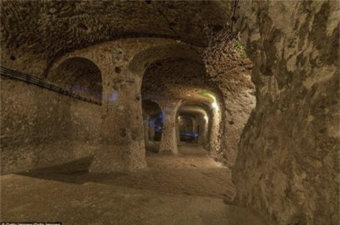 Bất ngờ phát hiện thành phố ngầm nghìn tuổi khi sửa nhà - ảnh 2