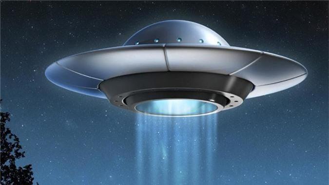 Vi sao UFO dac biet thich ghe tham cac can cu quan su?