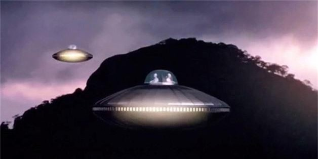 Vi sao UFO dac biet thich ghe tham cac can cu quan su?-Hinh-4