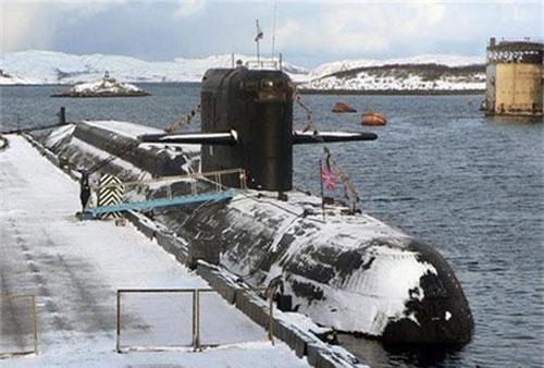 "Tàu ngầm mẹ BS-136 ""Orenburg""."