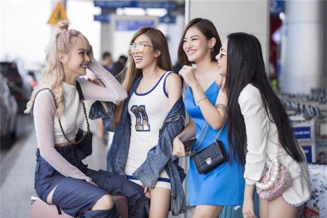 Hội bạn thân toàn mỹ nhân Vbiz tạo nên màn tái ngộ mãn nhãn tại sân bay sang Singapore, nhưng sắc vóc ai nhỉnh hơn? - Ảnh 1.