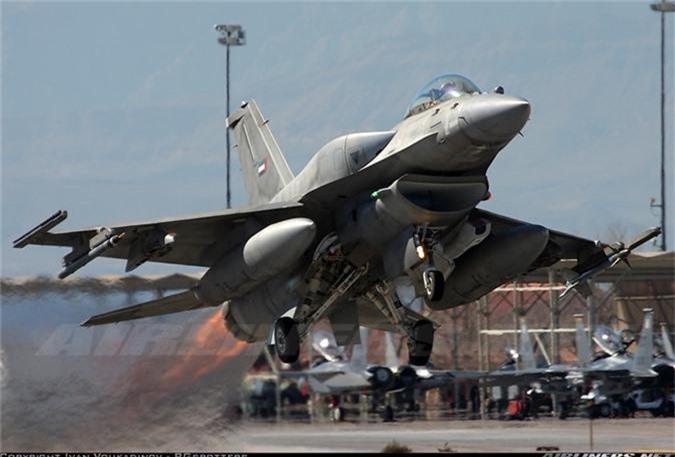 """May bay MiG-29 """"bat chot"""" o Dong Au, nhuong cho cho F-16-Hinh-7"""