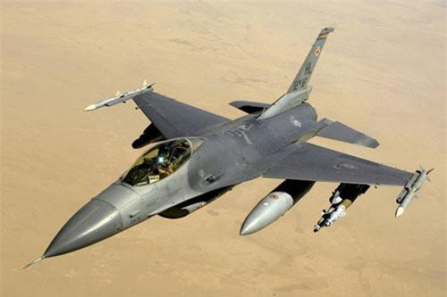 Cổng thông tin điện tử flightglobal cho hay, chính phủ Bulgaria đã phê duyệt thỏa thuận với Lockheed Martin nhằm mua 8 máy bay tiêm kích F-16V mới tinh từ Mỹ thay vì mua máy bay cũ từ Hy Lạp hay Thổ Nhĩ Kỳ mà quốc gia này từng tính đến. Nguồn ảnh: Wikipedia