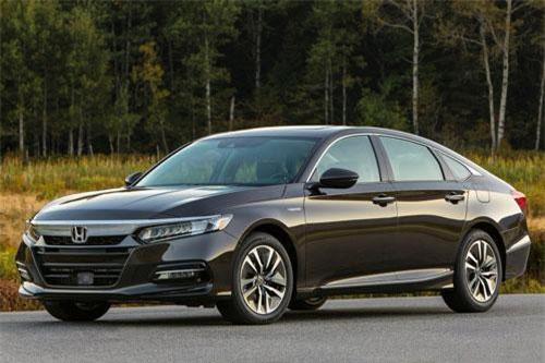 Dành cho gia đình có nhu cầu sử dụng thường xuyên: Honda Accord.