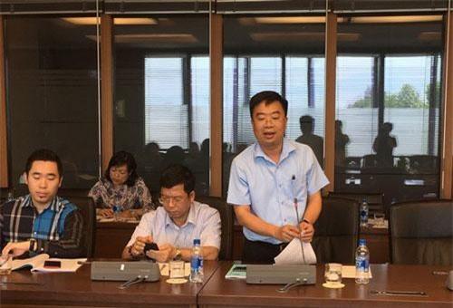 Tổng giám đốc Tập đoàn Dệt may Việt Nam, ông Lê Tiến Trường phát biểu tại hội thảo.