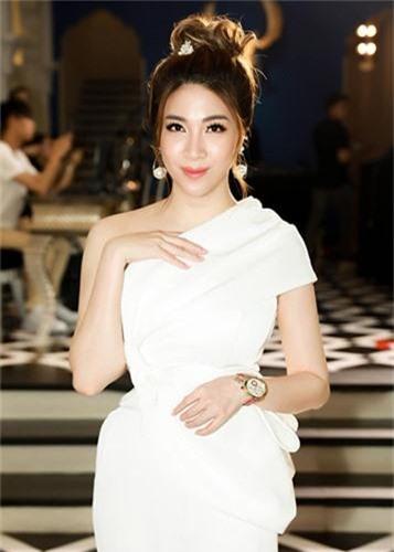 Choang voi gia ga tinh my nhan Viet tu vai nghin den trieu USD-Hinh-14