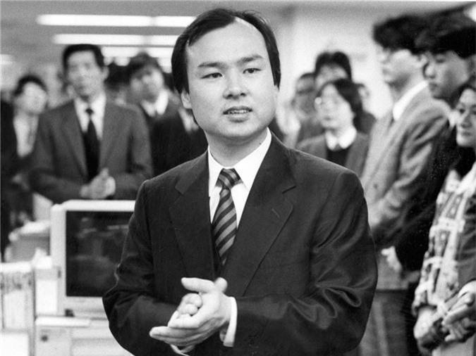 Những điều ít biết về tỷ phú liều ăn nhiều của SoftBank - Ảnh 3.