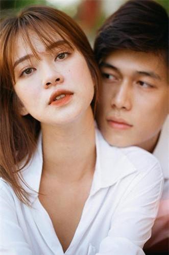 Trương Hoàng Mai Anh là cái tên nổi lên trong các hot girl World Cup 2018 trên sóng truyền hình. Bước ra khỏi chương trình đó, cô bạn này vẫn trung thành với nghiệp người mẫu lookbook của mình.
