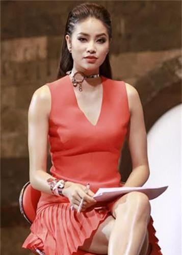 Loat on ao cua Pham Huong tu khi buoc chan vao lang giai tri-Hinh-8