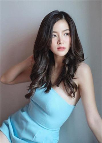 """Loat scandal gay chan dong cua nu chinh """"Chiec la cuon bay""""-Hinh-5"""