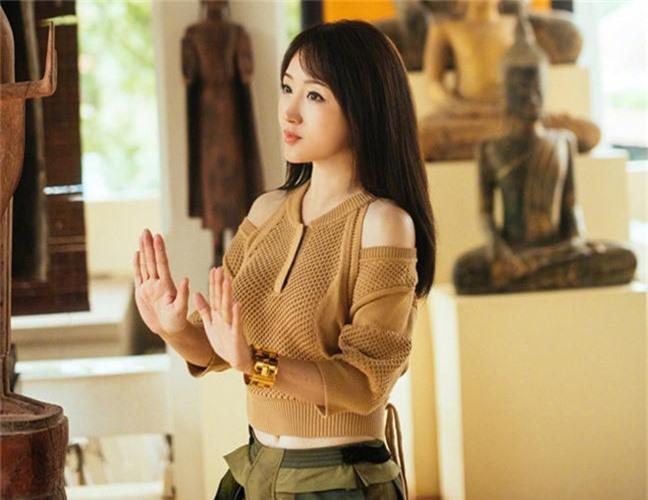 Nu ca si Trung Quoc U50 nhung van xinh dep va mac tre nhu gai 18-Hinh-9