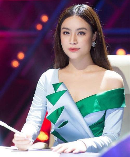 Ngoài ra, Thùy Linh còn nhận được khá nhiều vai diễn điện ảnh và phim truyền hình. Gần đây nhất cô đóng phim Mê cung.