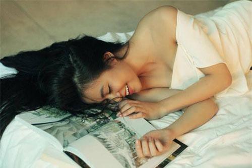 Cô đang là diễn viên, ca sĩ nổi tiếng ở Việt Nam.