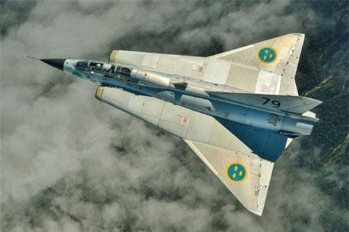 Chiến đấu cơ có thiết kế cực độc với hình dáng như phương tiện bay của người ngoài hành tinh mang tên Saab 35 Draken (Draken nghĩa là Rồng) của Thuỵ Điển là một trong số đó, đây là mẫu máy bay chiến đấu được phát triển cho Không quân Thụy Điển từ những năm 50 của thế kỷ trước. Nguồn ảnh: Pinterest.