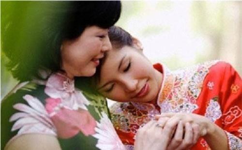 """Linh và mẹ chồng không chỉ thấu hiểu cho nhau mà còn rất """"tâm đầu ý hợp"""" (Ảnh minh họa)."""