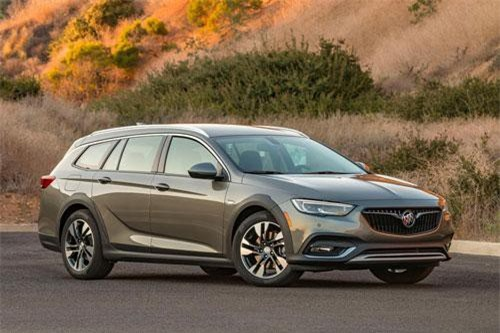 10. Buick Regal TourX 2019.