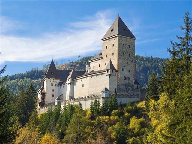 12 lâu đài ma ám đáng sợ trên thế giới - Ảnh 21.