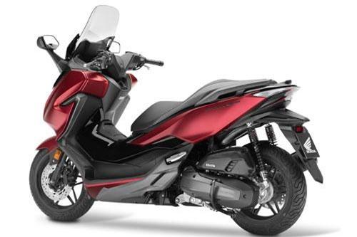 7. Honda Forza 125 2019 (giá: 5.399 euro).