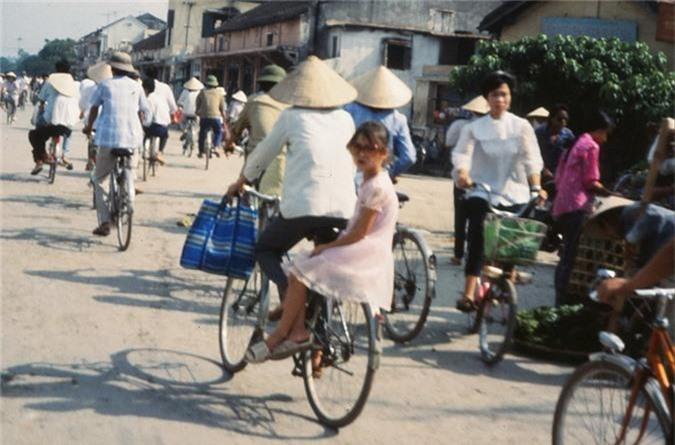 Anh cuc doc ve xe dap o Ha Noi nam 1990