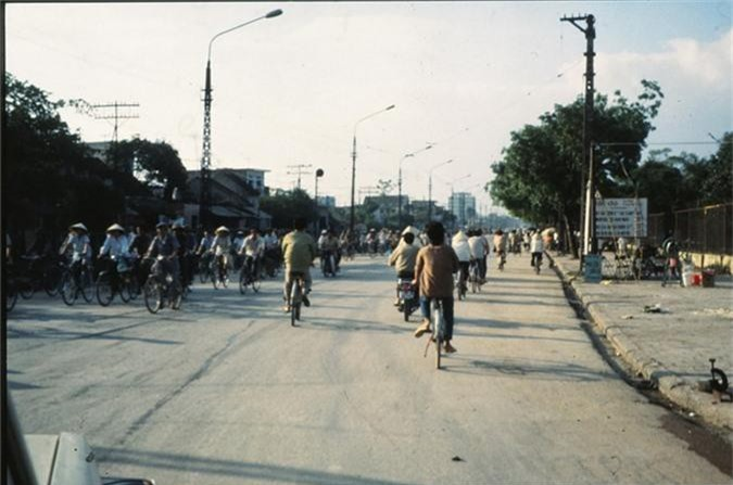 Anh cuc doc ve xe dap o Ha Noi nam 1990-Hinh-5