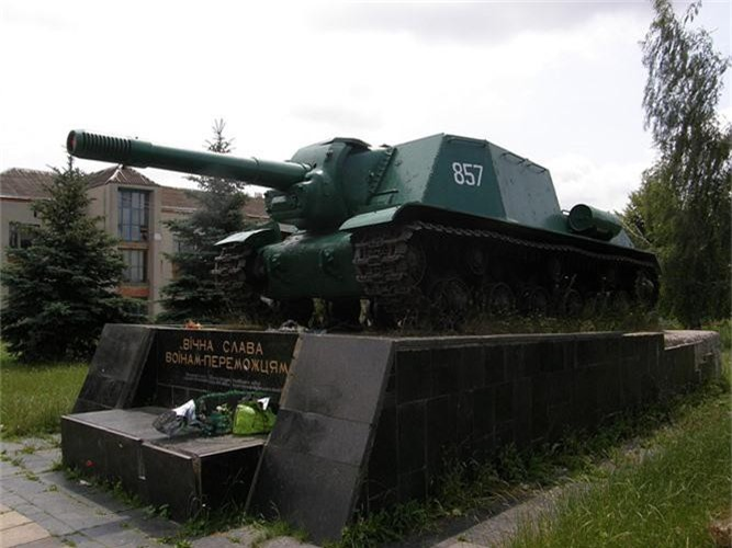 Do la su that: Nga hoi sinh phao tu hanh ISU-152 tru danh-Hinh-8