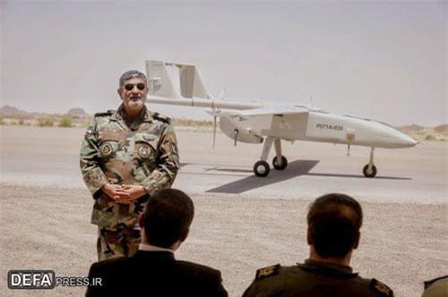 Loại máy bay không người lái Iran mới được giới thiệu có tên định danh là Mohajer-6 và có thể mang theo các loại vũ khí tấn công, bản thân Mohajer-6 xuất hiện lần đầu tiên vào năm 2017 và bắt đầu đưa vào sản xuất hàng loạt từ tháng 2/2018. Nguồn ảnh: DEFA.