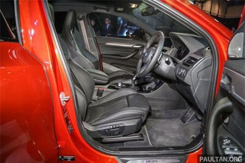 Không gian nội thất của BMW X2 M35i khá rộng rãi và tiện nghi.