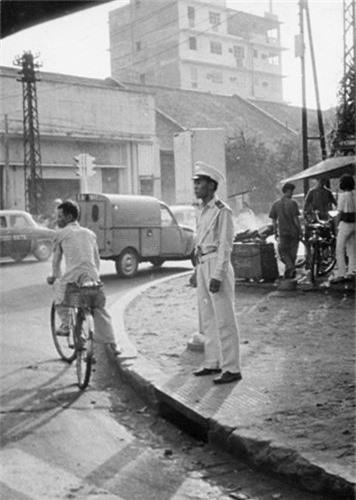Doi thuong Sai Gon nam 1966 qua anh cua Donald F. Harrison-Hinh-9