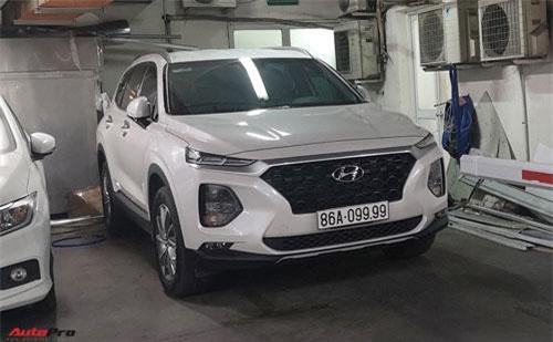 Santa Fe 2019 biển số tứ quý 9 ở Bình Thuận. Ảnh: AutoPro.